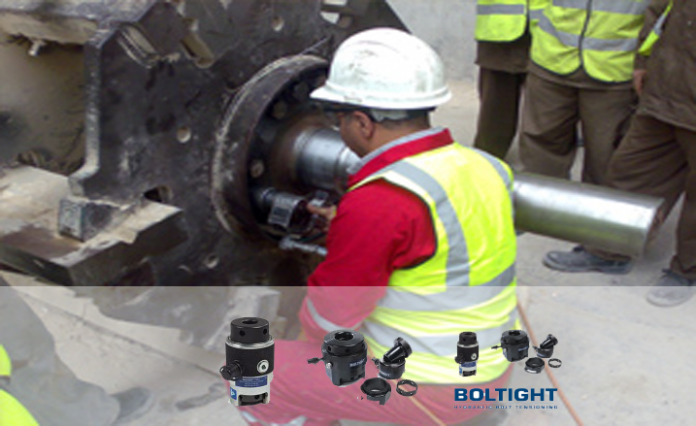 Hydraulic bolt tensioners